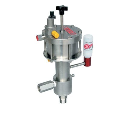 Pneumatic metering pump with four inch piston